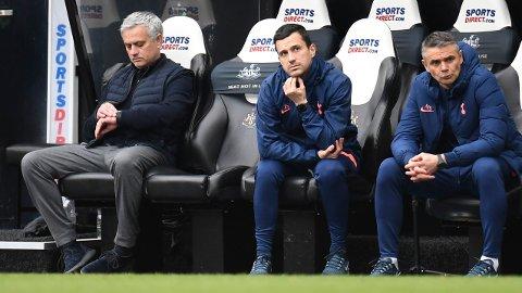 Jose Mourinho, som kun har tatt 1,68 poeng per ligakamp med Tottenham, opplever sin verste sesong som manager i Premier League. Her fortviler han etter at Spurs mistet 2-1-ledelsen mot Newcastle sist helg.