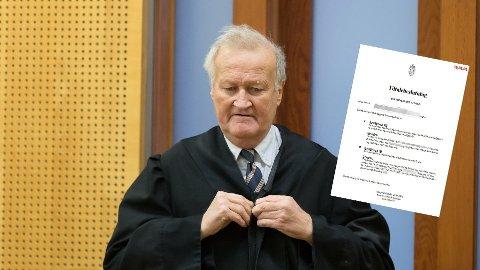 Den profilerte advokaten skulle ha sin foreløpig siste sak i retten i morgen. Den er nå utsatt. Bildet er fra 2019 da han var forsvarer i en annen sak.
