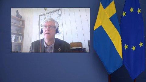 Folkhälsomyndighetens generaldirektør Johan Carlson på pressekonferansen fredag.