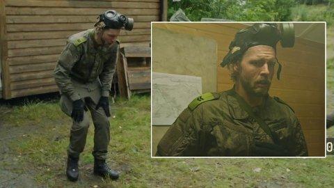 PUSTEVANSKER: Jakob Schøyen Andersen får pustevansker under lørdagens episode av «Kompani Lauritzen».