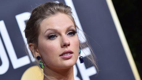 Taylor Swift på Golden Globe-utdelingen i Los Angeles i fjor.