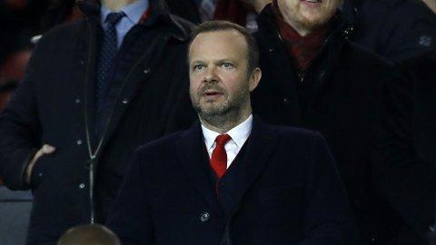 Manchester United-sjef Ed Woodward trekker seg.