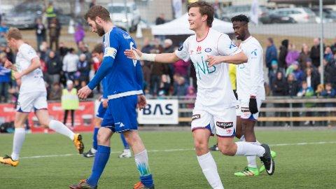 Henrik Udahl har spilt i VF-drakten før. Han scorer 4-1-målet til Vålerenga mot Løten FK i cupen i 2016.