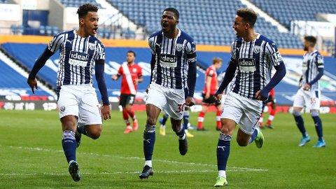 Den brasilianske midtbanespilleren Matheus Pereira (t.v.) har scoret tre mål på de to siste kampene tilWest Bromwich Albion.
