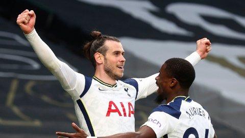 Tottenham's Gareth Bale feirer sin scoring.