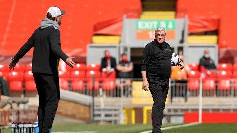 RASTE: Jürgen Klopp var tydelig frustrert under lørdagens oppgjør mot Newcastle.