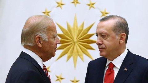SNAKKET SAMMEN: President i USA, Joe Biden, snakket fredag med president i Tyrkia, Recep Tayyip Erdogan, på telefon.