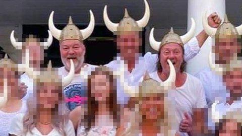 HAPPY VIKINGS: God stemning i denne hvitkledde gjengen iført vikinghjelmer på ledelsesseminar i august 2020. Reidar Furuholmen (t.v.) og «Charter-Svein» Østvik var begge involvert i World Ventures. inCruises tilbyr lukrative bonuser og cruisereiser til flittige ververe, og de to er blant pådriverne for konseptet i Norge.