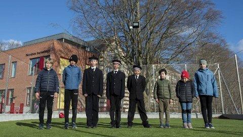 Barna på Nordnes håpet på en ny fotballbinge, men en tom bane er det ingen av dem som vil bruke. Fra venstre: Per (11), Didrik (11), Ulrik (9), Georg (10), Alfred (10), Daniel (7), Matilde (9), Elise (10).
