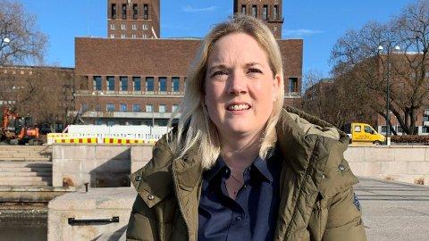 REAGERER: Aina Stenersen (Frp) mener det er helt feil av byrådet å ikke åpne skjenking og treningssenter.