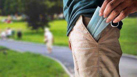 Legger du engangsmunnbindet i lomma etter bruk og tar det på senere? Det burde du slutte med.