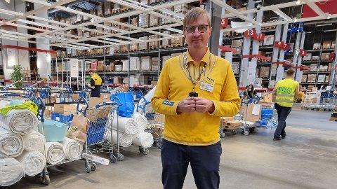 Ikea Furuset åpner fredag. Assisterende varehussjef Vegar Aabø sier de er forberedt på kø.