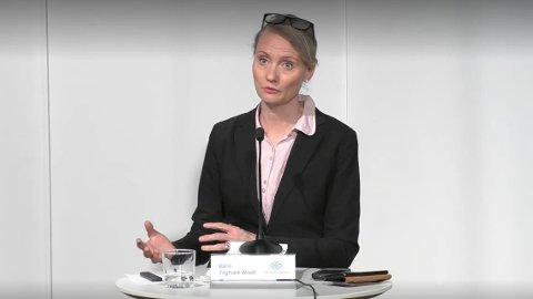 ORIENTERER: Karin Tengmark Wisell fra de svenske helsemyndighetene under torsdagens pressekonferanse.