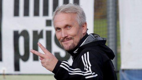 KLAR FOR NY SESONG: KFUM-trener Jørgen Isnes etter kampen mellom Kfum-Oslo-Sandnes Ulf på Kfum Arena.