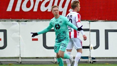 MÅL: Ola Brynhildsen kunne juble etter en lekker scoring i første omgang.