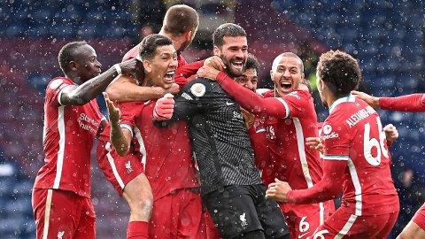 Alisson Becker ble søndag den første keeperen i Liverpool 129-årige historie som scoret.