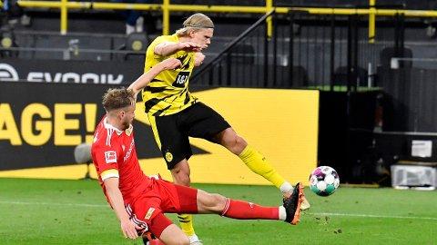 Erling Braut Haaland fyrer av mot Union Berlin når lagene møttes på Signal Iduna Park 21.april. Lørdag er det Bayer Leverkusen som kommer på besøk.