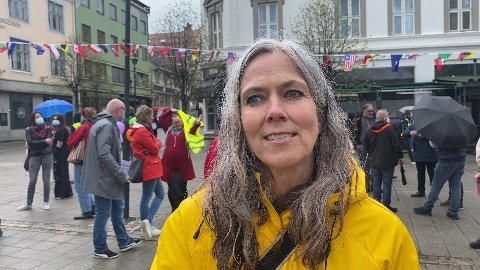 TØMT FOR FOLK: Kristin Moen Saxgaard tømte torget for folk.