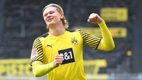 MÅLSCORER: Erling Braut Haaland sørget for en drømmestart med sin scoring etter fem minutter da Dortmund slo Leverkusen.