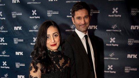 EKTEPAR OG FORELDRE: Hadia Tajik forteller både om det private bryllupet med Kristian Skard og veien mot å bli mamma i Ida Fladens podkast.