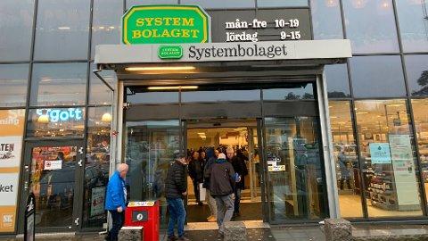 KUN KORT TID: Statsminister Erna Solberg sier det kun er kort tid før vi igjen kan handle i Sverige.