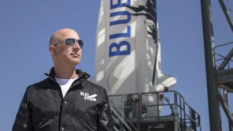 SIKTER HØYT: Selv om Amazon-grunnlegger Jeff Bezos gir seg som toppsjef for selskapet i sommer – sikter han ikke lavt av den grunn.
