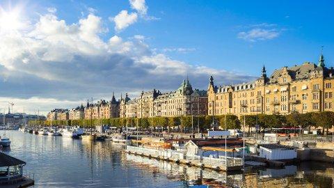 Hvorfor er det tre kroner i riksvåpenet til Sverige?