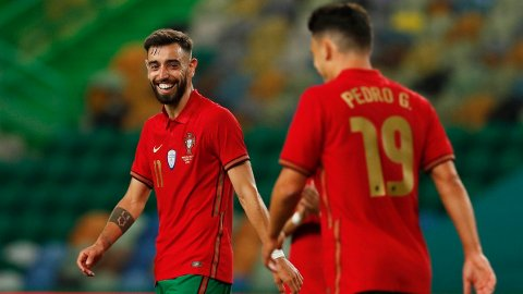 Portugal og Manchester Uniteds Bruno Fernandes møter Ungarn i første EM-kampen. Vi tror de vinner greit.