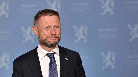 Helse- og omsorgsminister Bent Høie kan konstatere at smittetallene nå er på nivå med situasjone før andre smittebølge.