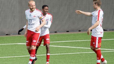 FFK-kaptein Henrik Kjelsrud Johansen (t.v.) er ute med skade i tirsdagens kamp mot Ull/Kisa.