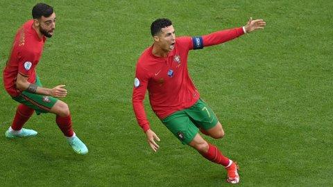 Cristiano Ronaldo jubler etter å ha scoret 1-0-målet mot Tyskland, men det var ikke nok til å vinne. Portugal tapte kampen 2-4.