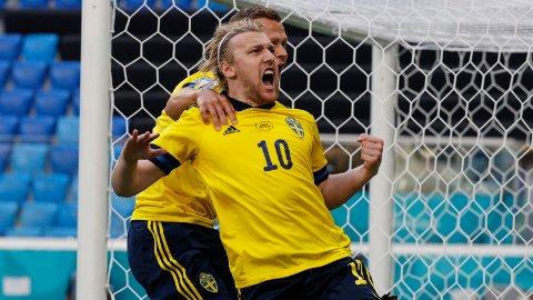 Emil Forsberg jubler etter å h scoret Sveriges eneste mål i EM. Det kom på et straffespark.