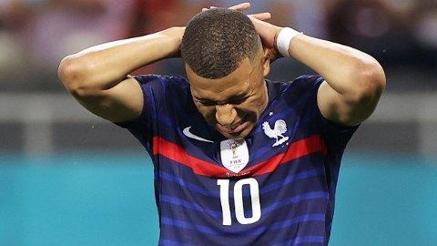 BOMMET: Kylian Mbappe var den eneste som bommet på straffe da Frankrike røk ut av EM mot Sveits mandag.