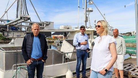 CO2-AVGIFT: Frp-leder Sylvi Listhaug møter rekefiskere i Mandal.