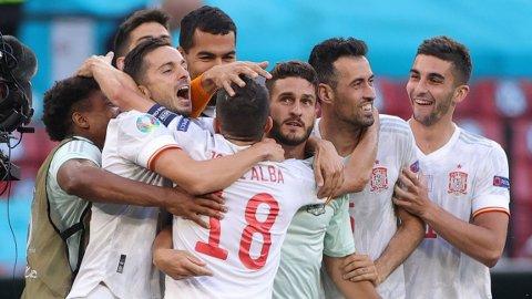 Koke og Spania jubler etter at de slo Kroatia i åttendedelsfinalen.