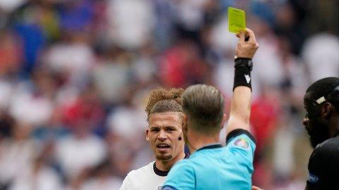 Kalvin Phillips fikk gult kort av dommer Danny Makkelie i åttendedelsfinalen mot Tyskland.
