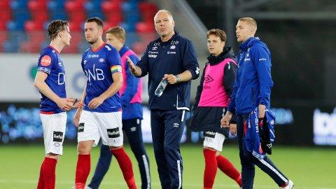 Vålerengas trener Dag Eilev Fagermo under kampen mellom Vålerenga og Bodø/Glimt på Intility Arena.