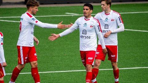 Maikel Nieves scorer for Fredrikstad under treningskampen mellom Strømsgodset og Fredrikstad 02.mai Foto: Terje Pedersen / NTB