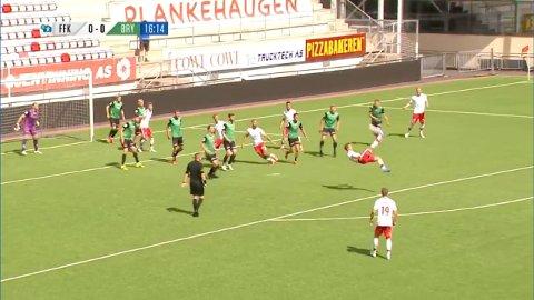 ÅRETS MÅL?: Nicolay Solberg serverte en scoring av ypperste klasse på Fredrikstad stadion mot Bryne.