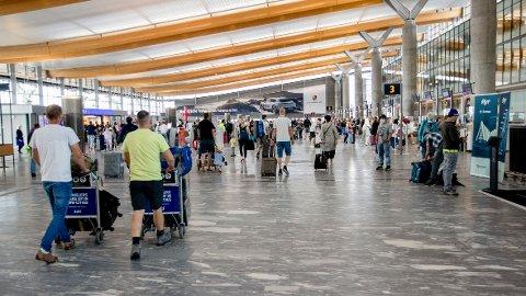 215.796 uvaksinerte personer har kommet inn til Norge etter at reiserådene ble endret 5. juli.