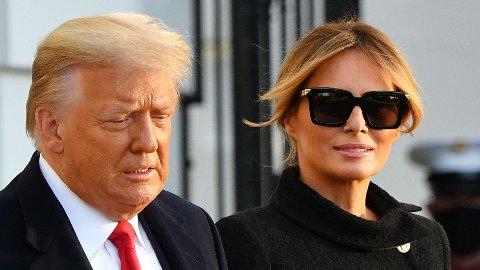 Dette bildet av presidentparet er tatt da de forlot Det hvite hus 20. januar i år.