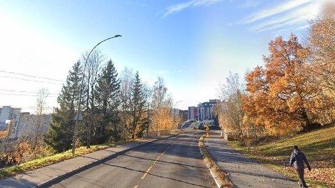 Ulykken skal ha skjedd langs gang- og sykkelstien ved Statsråd Mathiesens vei og Veksthusfløtten på Vollebekk i Groruddalen.
