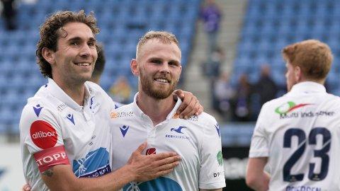 Haugesunds Benjamin Tiedemann Hansen og Mikkel Desler Puggaard (t.h) etter eliteseriekampen i fotball mellom FK Haugesund og Vålerenga på Haugesund sparebank arena.