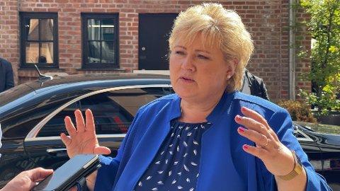 KRISEMÅLINGER: Statsminister Erna Solberg sier hun ikke har gitt opp håpet om en valgseier selv om meningsmålingene jobber mot henne.