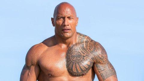 AVSLØRER: Dwayne «The Rock» Johnson er en av de mest veltrente mennene i Hollywood. Nå avslører han at han aldri vil få de perfekte magemusklene.