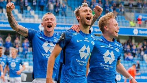 Moldes Magnus Wolff Eikrem jubler etter 3-0 målet under kvalifiseringskampen til Europa Conference League i fotball mellom Molde og Servette på Aker Stadion.