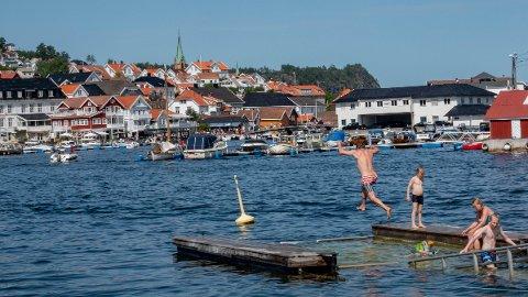Rødt vil ha slutt på at rikinger bruker privatfly for å komme til hyttene sine, som her i Kragerø.