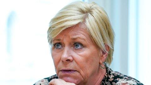 Siv Jensen (Frp) har fulgt nøye med på 22. juli-debatten, og går nå ut mot Arbeiderpartiet.