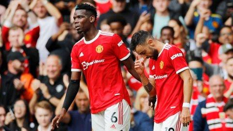 HERJET: Paul Pogba og Bruno Fernandes herjet mot Leeds i Premier League-åpningen. Nå tror Paul Scholes at franskmannen blir værende i Manchester United.