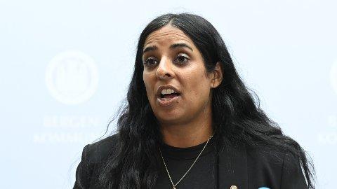 Fungerende byrådsleder Lubna Boby Jaffery er bekymret over de høye smittetallene i Bergen kommune.